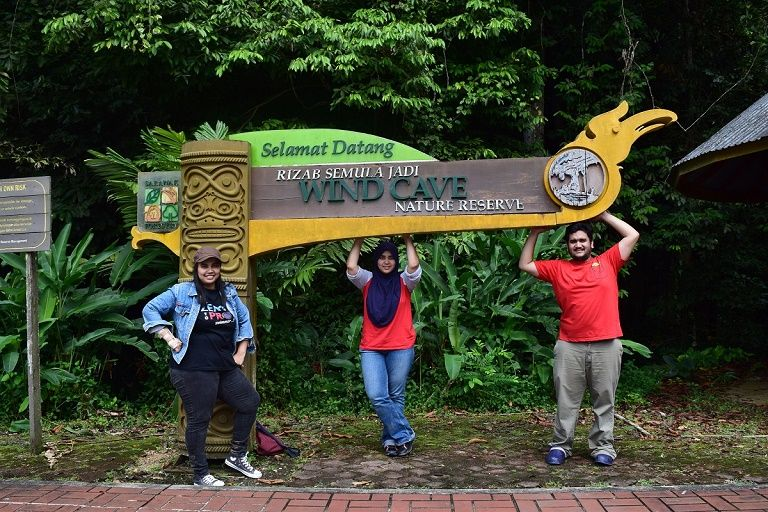 Exploring Wind Cave in Bau town with Backyard Tour Malaysia