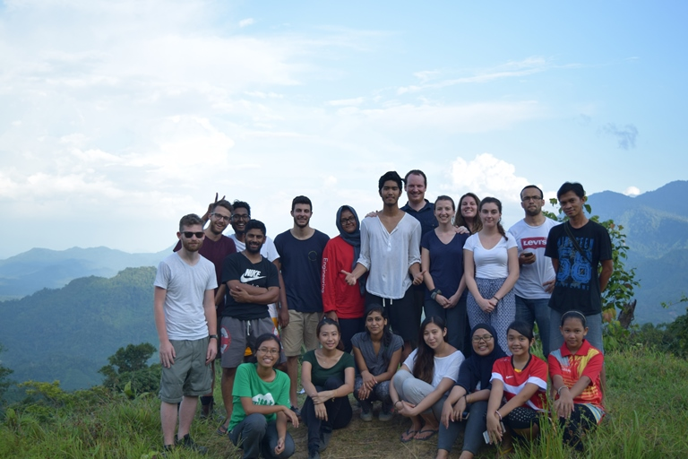 Group photo on the hilltop of Kiding village Read Responsible Traveler Tips with Backyard Tour Malaysia