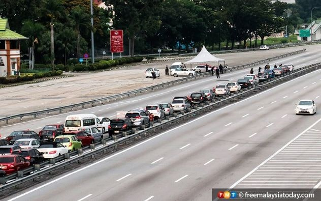 Roadblocks during MCO (Photo credit freemalaysiatoday.com)